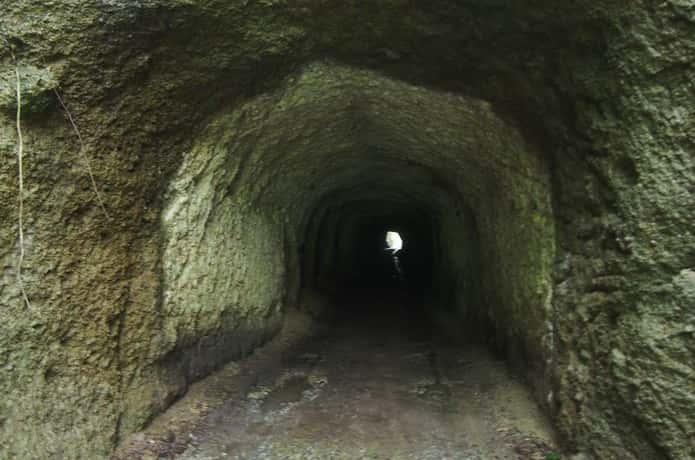 宮戸島 トンネル内部