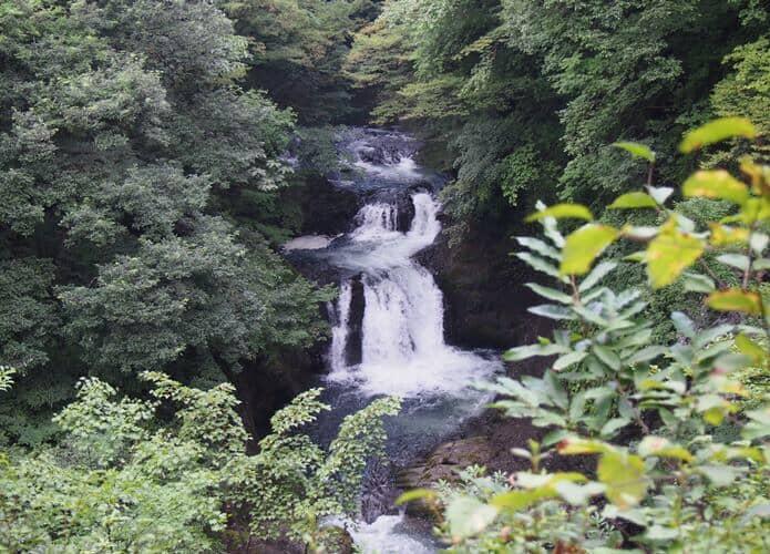 鳳鳴四十八滝 ズームで撮影