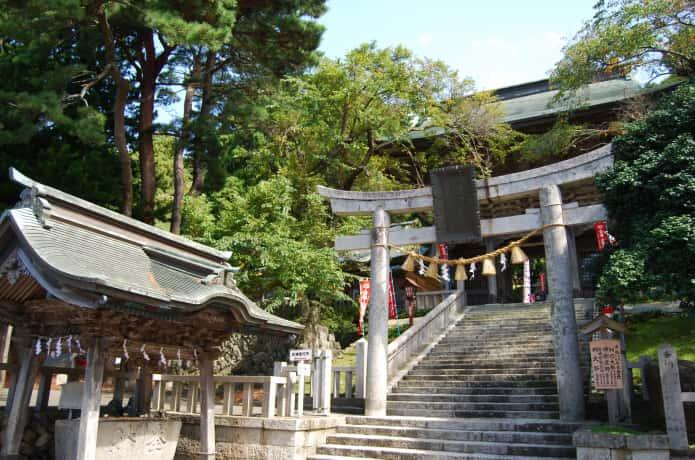 金華山 黄金山神社