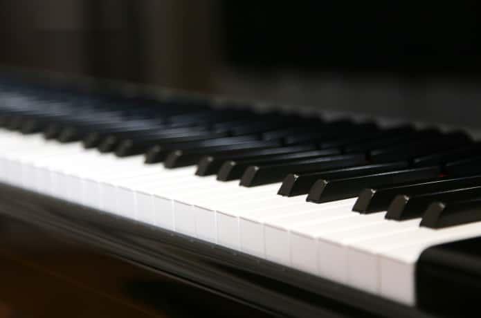 ピアノ演奏 イメージ