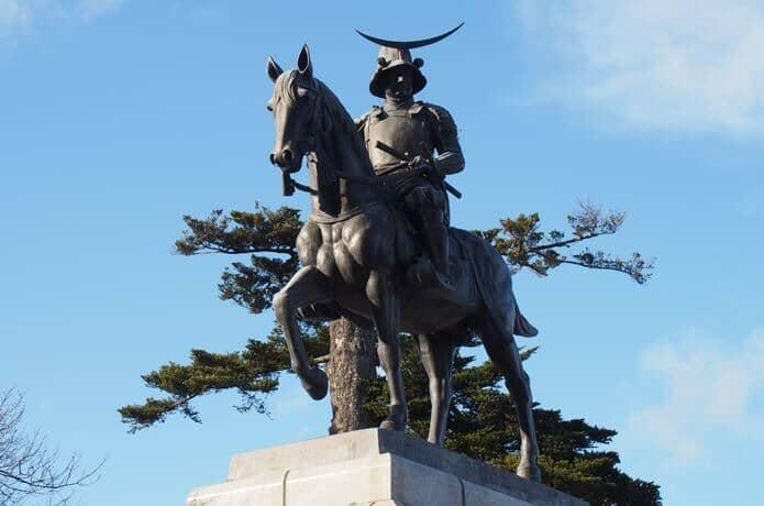 伊達政宗の騎馬像
