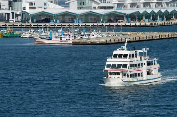 マリンゲート塩釜から松島へ向かう遊覧船