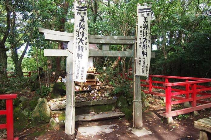 田代島 猫神様神社