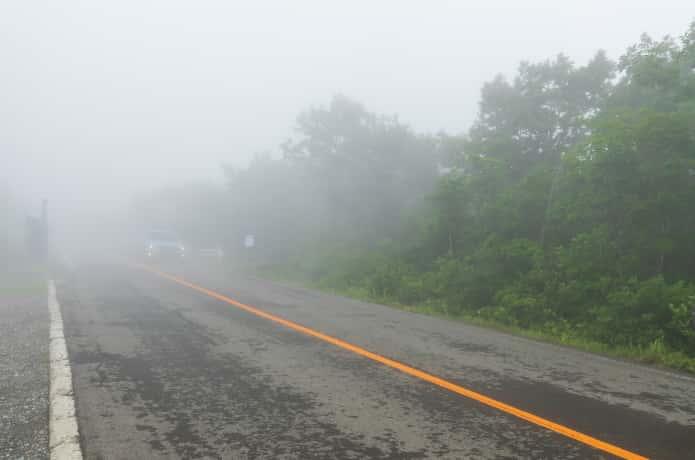 蔵王エコーラインを覆う白い靄