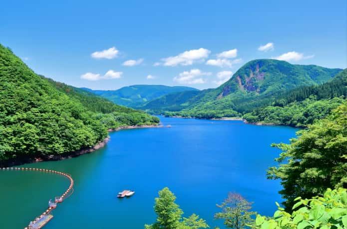 鳴子ダムのダム湖