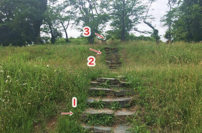 雷神山古墳の階段