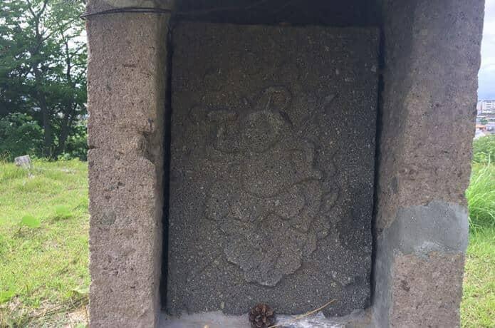 雷神山古墳の由来である雷神様の絵