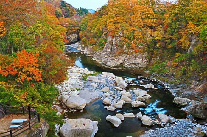 秋の磊々峡