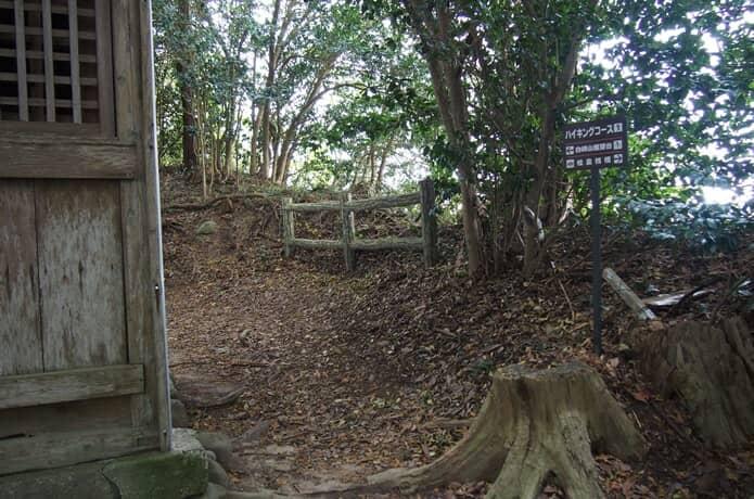 松崎神社 裏道