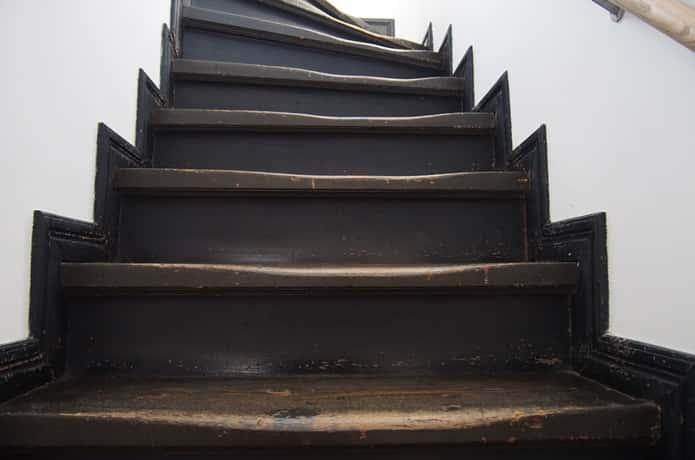 警察史料館 階段
