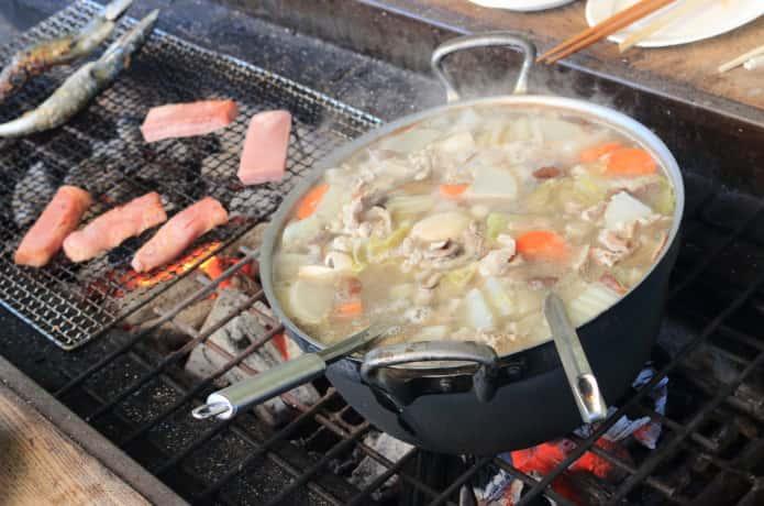 芋煮会とバーベキューー