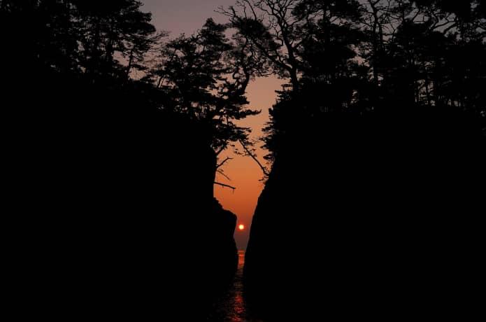 神割崎と太陽