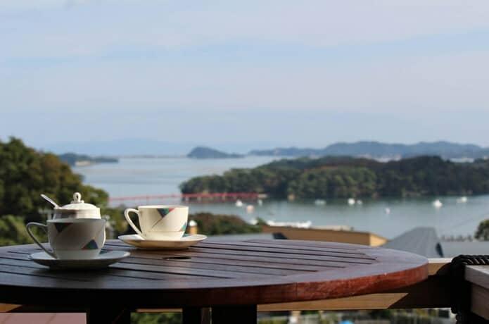 松島プチホテルビストロアバロンからみる福浦橋と福浦島